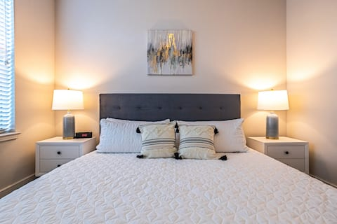★Oasis in the Heart of Dallas★King Bed★Fast Wifi★