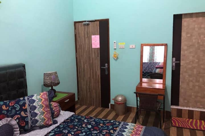 Cozy Deluxe at Guest House Nasyauqi Kuala Tanjung
