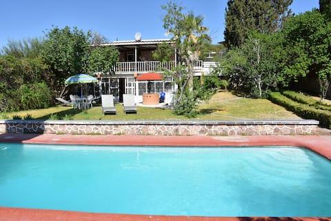 Casa de Campo con Jardín y Alberca - Lago Jacales
