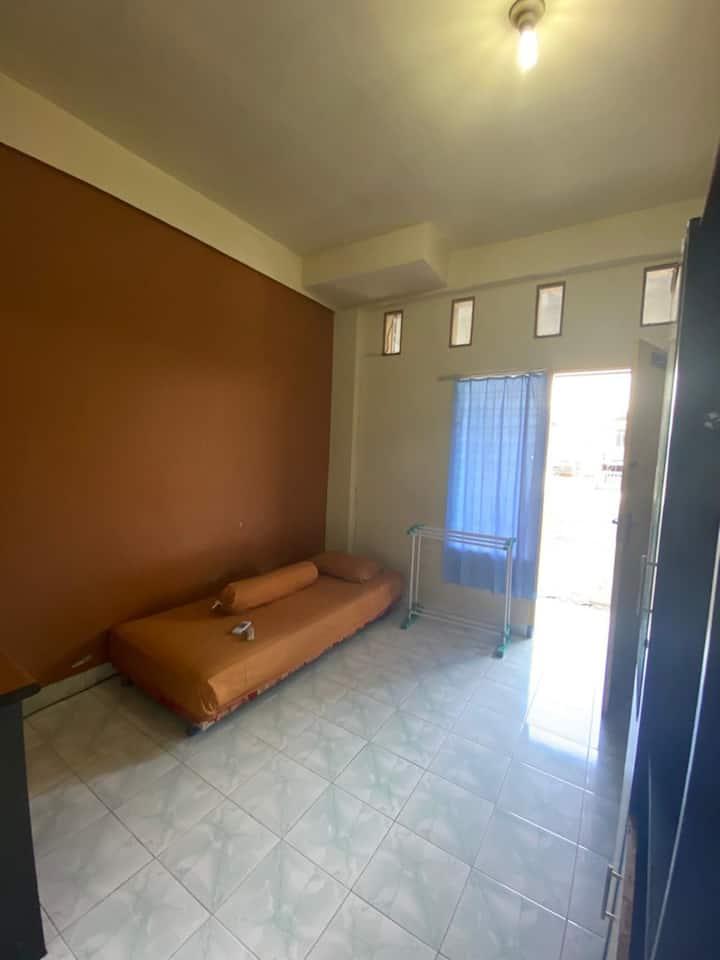 Cheap & Comfortable Stay at Lodgins Wahyu Pelita