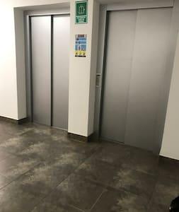 Se accede directamente desde el ascensor