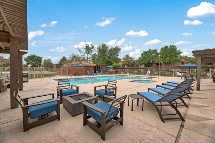 E2│Old Town Gilbert│Remodeled│Pool/Spa│King Bed
