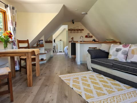 Cosy Self Catering Lodge and Gym Maple House Lodge