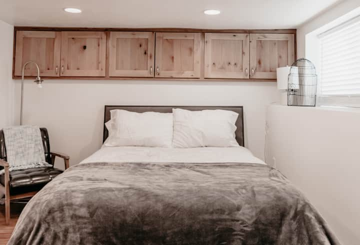 Cute Basement | All you would need | Close to SLC