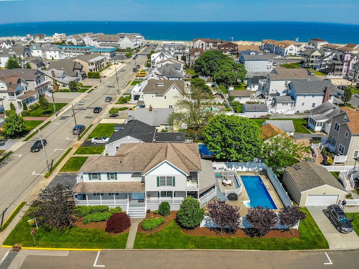 Point Pleasant Beach 6 bed w/ pool 2 blks to beach