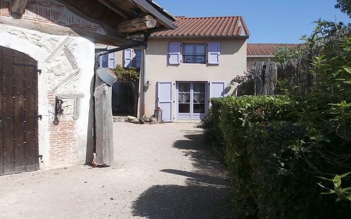 GITE DU ROY D'AMONT (Plaine de l'Ain)