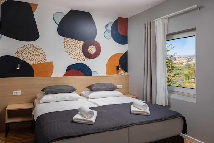 Double room @ Solar Beach Inn
