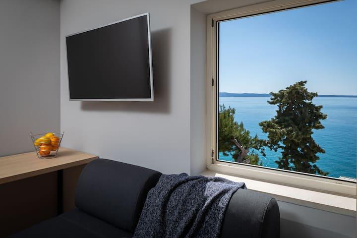 Double Room with Sea View @ Solar Beach Inn