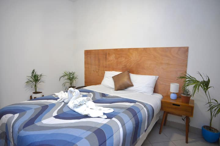 Boutique Suite - Newly renovated near city center