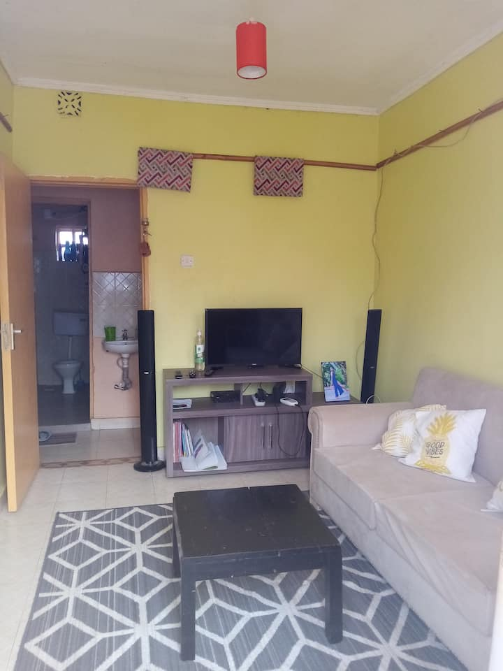 A cosy two bedroom house in a serene environment