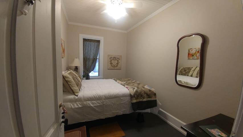 Bedroom #2 (double)