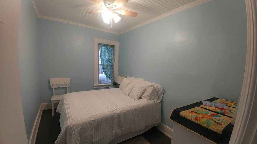 Bedroom #1 (double)