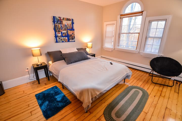 Cozy & Comfortable Suite in College Hill #C2