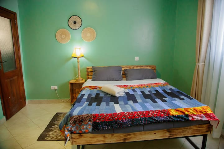 Bedroom 2 ( view 1)