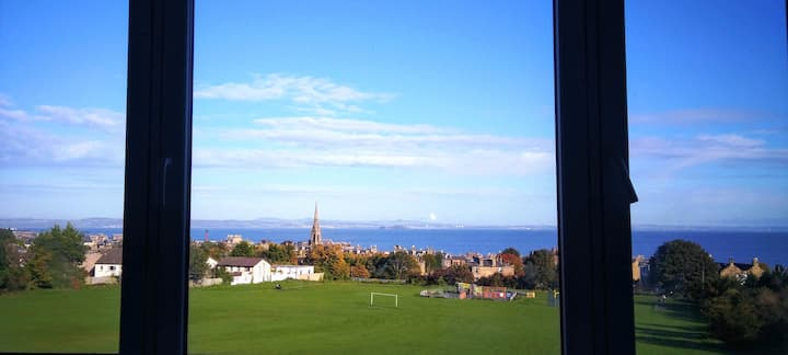 Edinburgh flat with a view to beat all others!