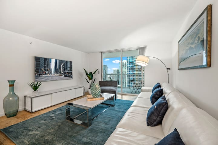 LUXURIOUS 1BR HIGH RISECONDO BRICKELL.FREE PARKING