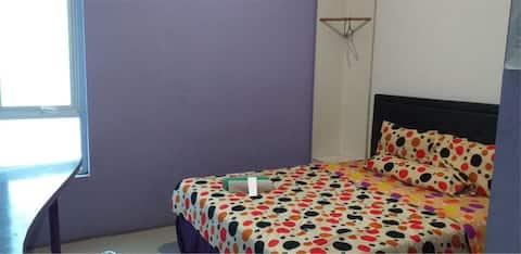 Clean Purplish Room at Hotel Ungu Cirebon