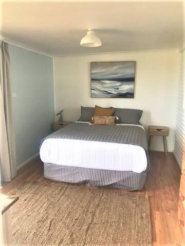 Bed 3 - Queen