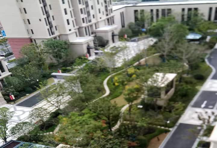 观日湖景公寓房