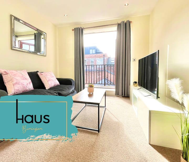 HAUS St Paul's Square 2 bed Townhouse with Balcony