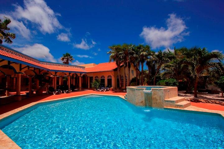 Compleet Rustique Resort te huur