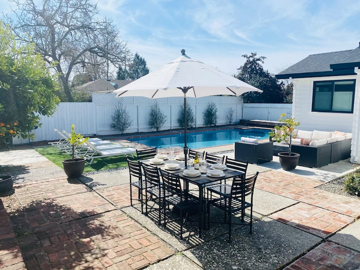 Marian Lane Wine Country Getaway with Pool