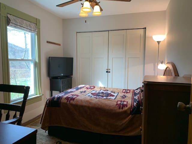 Office Bedroom, Full Bed