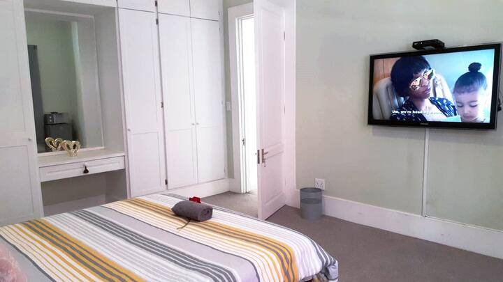 Luxury Guest Room | DSTV + Explora | Free WIFI