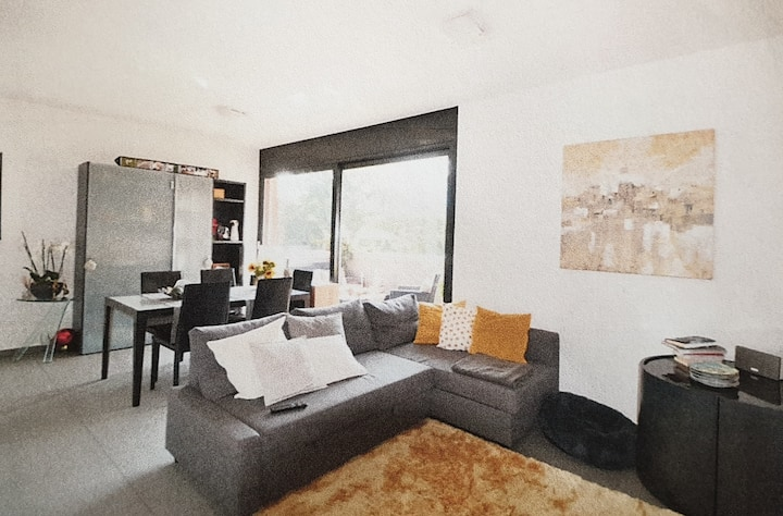 Appartamento 2.5 locali con parcheggio e balcone