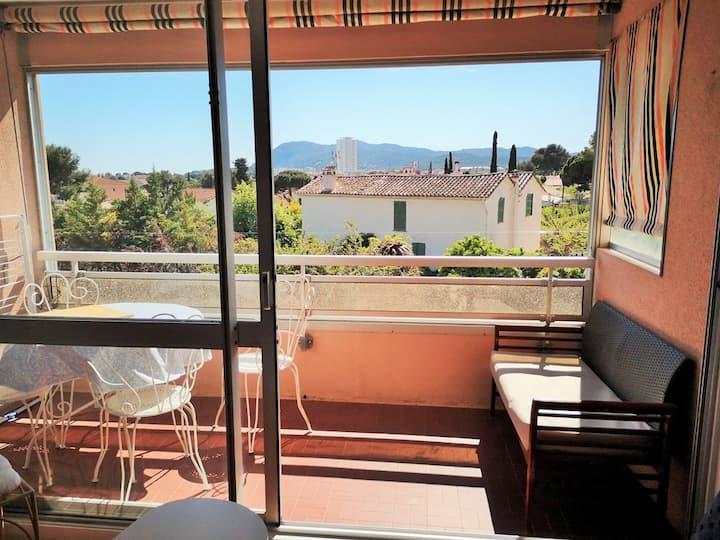 Appartement avec balcon proche plage, Wifi