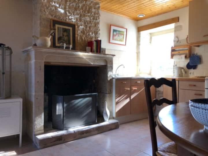 Petite maison de vacances proche château Dampierre