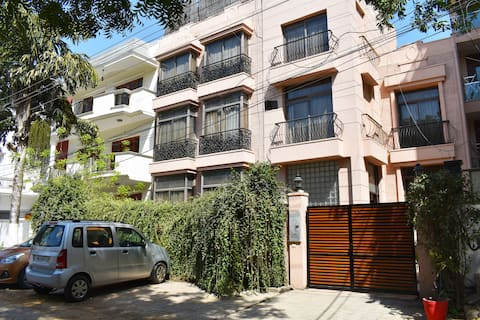 1 Bhk Serviced Apartment Near fortis Hospital