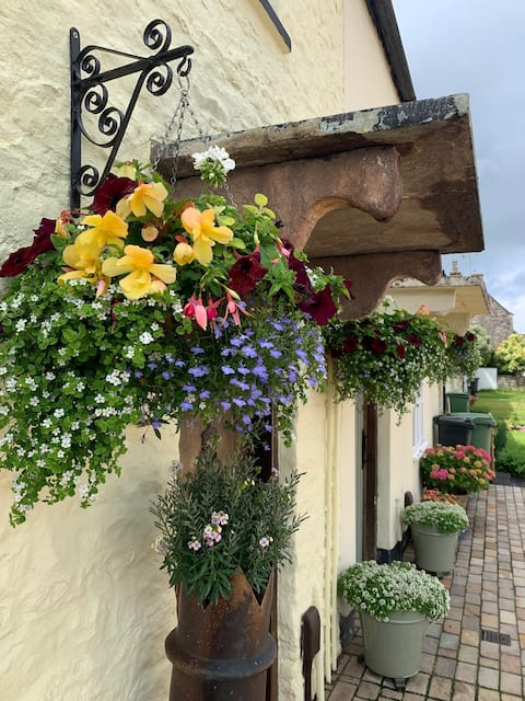 Cottage in Cotswold Market Town, Chipping Sodbury