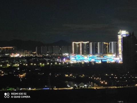 惠城区市中心(金山湖,山姆店)一线江景房,自助入住(提供车位),高档小区,南北通透,180℃超美夜景