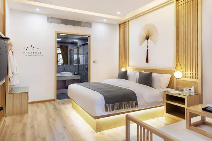 丽江古城 花园景观大床房 马上有钱 三晚接机 两晚接站 汉服穿拍 天空之境
