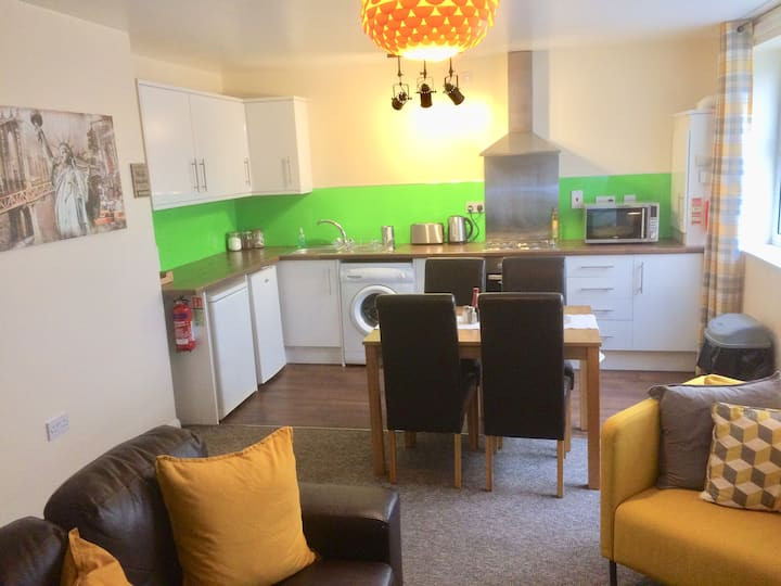 Apartment 2 Burnett Court - 3 Bed -  Hull Old Town
