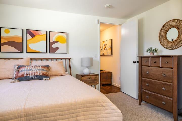 Master Bedroom, New Queen Memory Foam Mattress. Large Dresser and Closet.