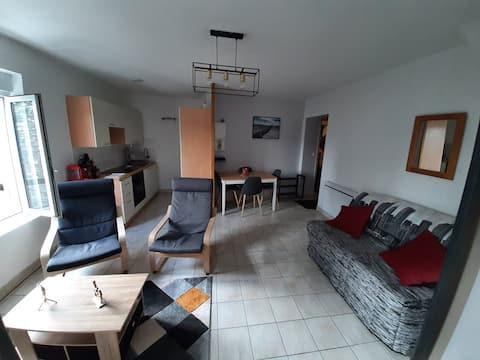Appartement au centre d Elven avec 1 chambre