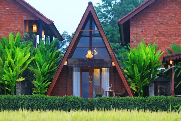 HOT DEAL! Villa w rice field view balcony in Ubud