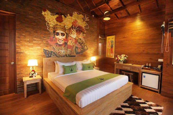 Suite Room w private rice field view balcony Ubud