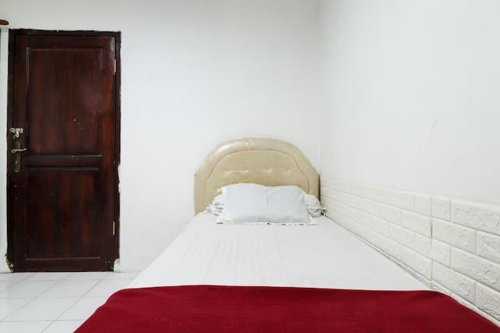 Affordable Single Room at Kos VIP Josh