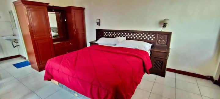 Superb Exclusive Room at Mangkuyudan Hotel Solo
