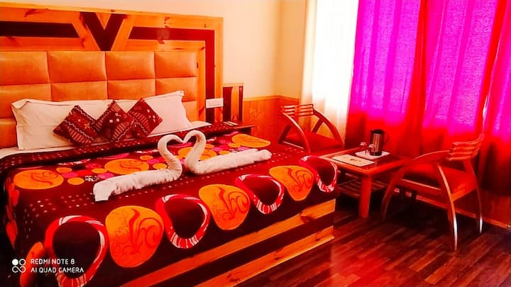 20% flat discount for couple | double bed + view