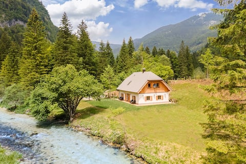 Bled Area - Magical River Location、Luxury House