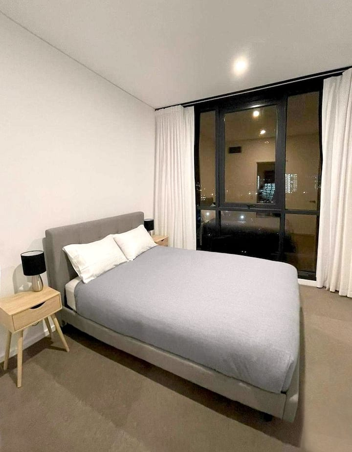 Incredible modern Apt in Adelaide CBD