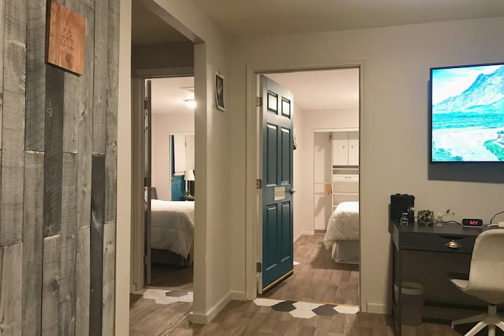 Private Newly Remodeled 2 Bedroom Suite.