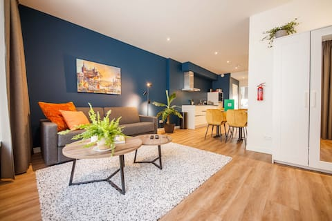 Boutique Chic 55m² Apartment with City Garden