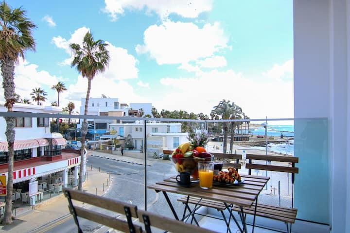 Phaedrus Living: Seaside Luxury Flat Athena 108