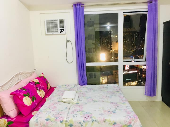 Rom's Cozy Place5 with Unli NETFLIX