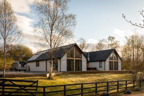 美しいロケーションにある素晴らしいスコットランドの家